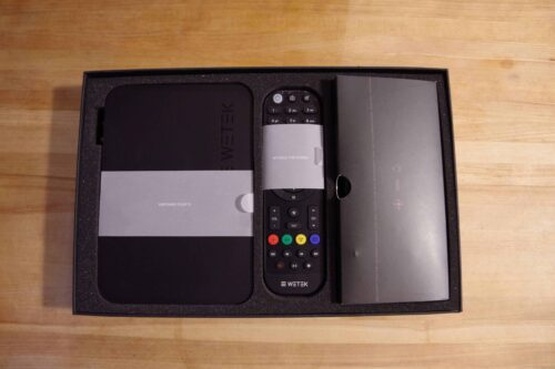 WeTek Play 2 Android set top box -- unboxing